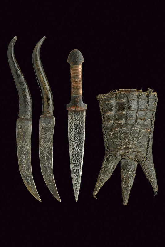 A trousse with three daggers