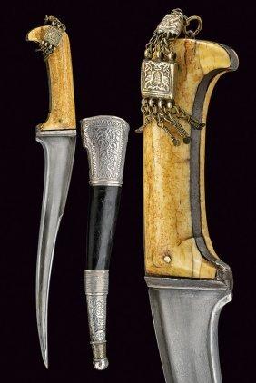 Pesh Kapz (dagger)