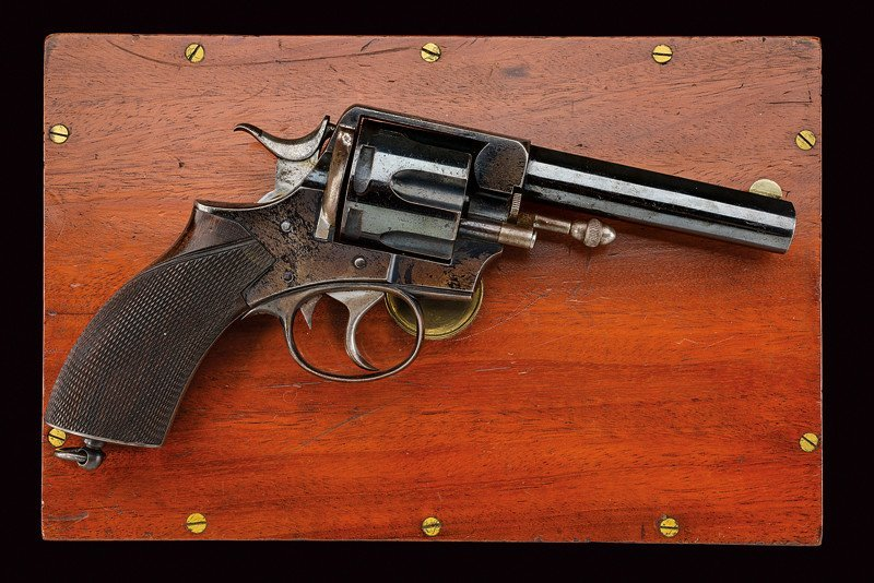 A cased Webley RIC No.1 New Model revolver - 2