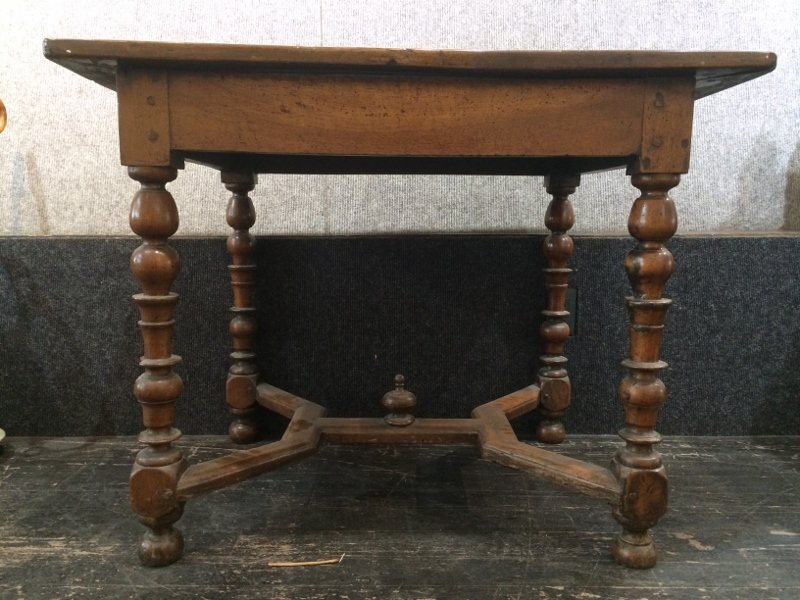 Early table, 17th/18th century