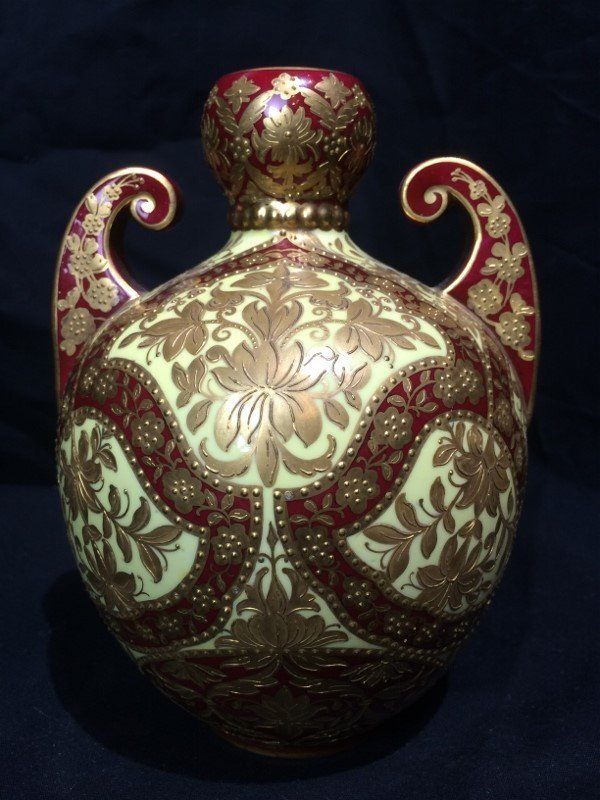 Outstanding vase by Royal Crown Derby, c.1880