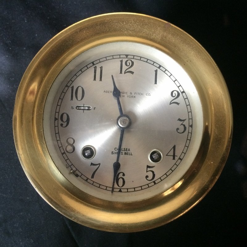 Box lot-Abercrombie and Fitch ship clock