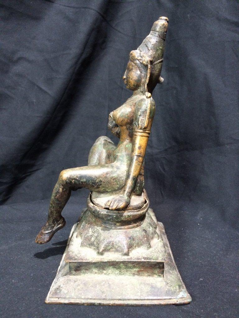 Indian metal or bronze idol figure - 2