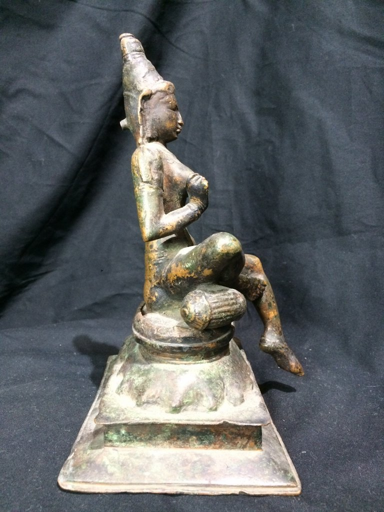 Indian metal or bronze idol figure - 4