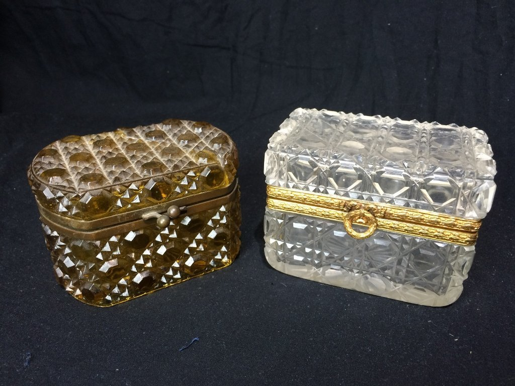 Box lot-Two crystal boxes