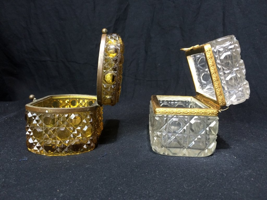Box lot-Two crystal boxes - 4