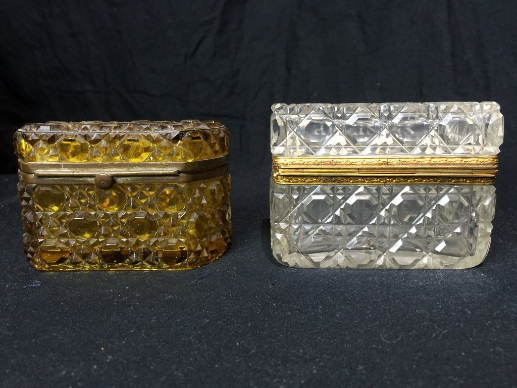 Box lot-Two crystal boxes - 5