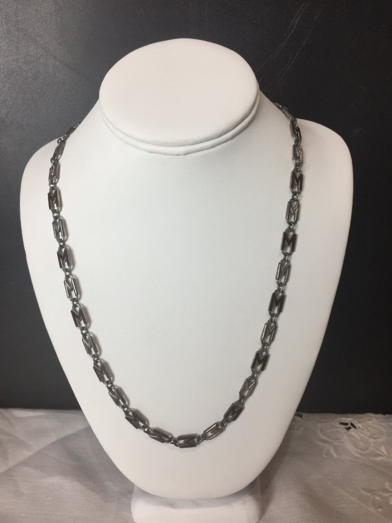 """Gucci sterling silver chain, with enamel """"M""""s, 1.6 t."""