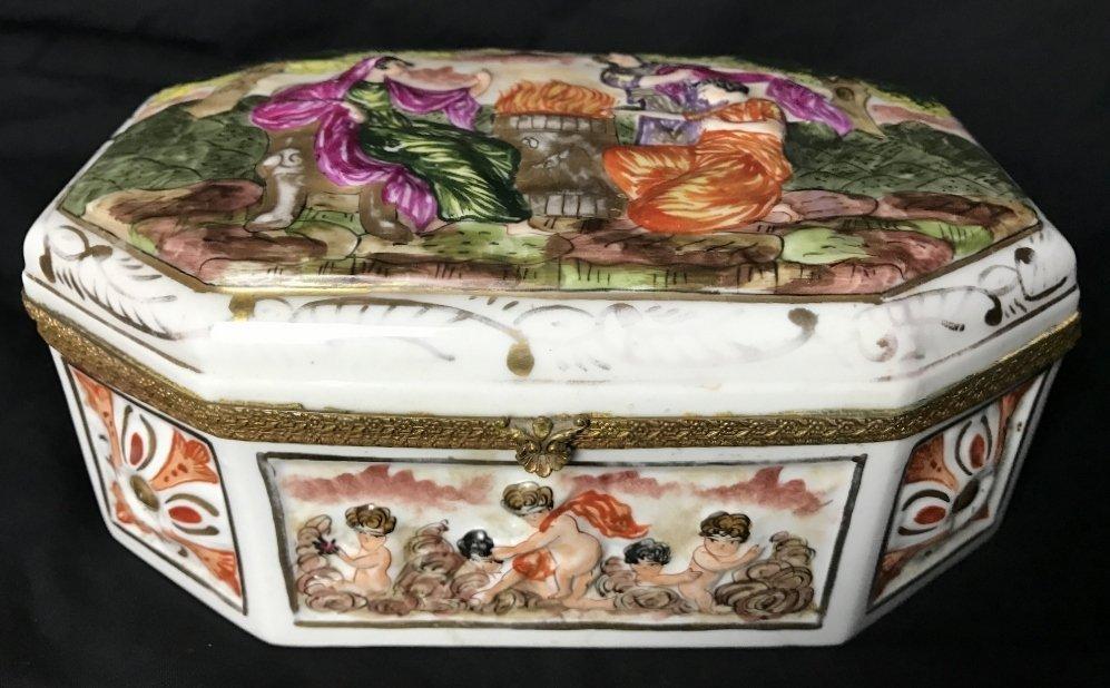 Capodimonte style porcelain box-c.1920/1930