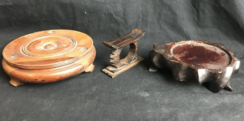 Box lot-Chinese wood stands - 4