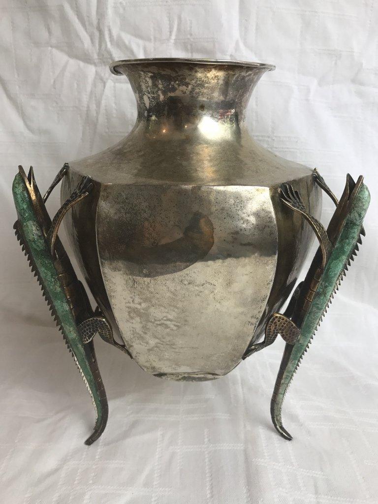 Lizard vase by Los Castillo