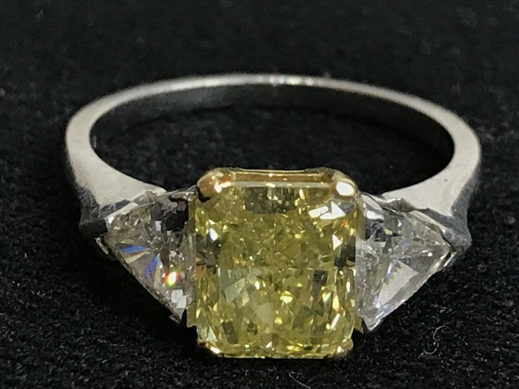 2ct natural yellow diamond ring-GIA