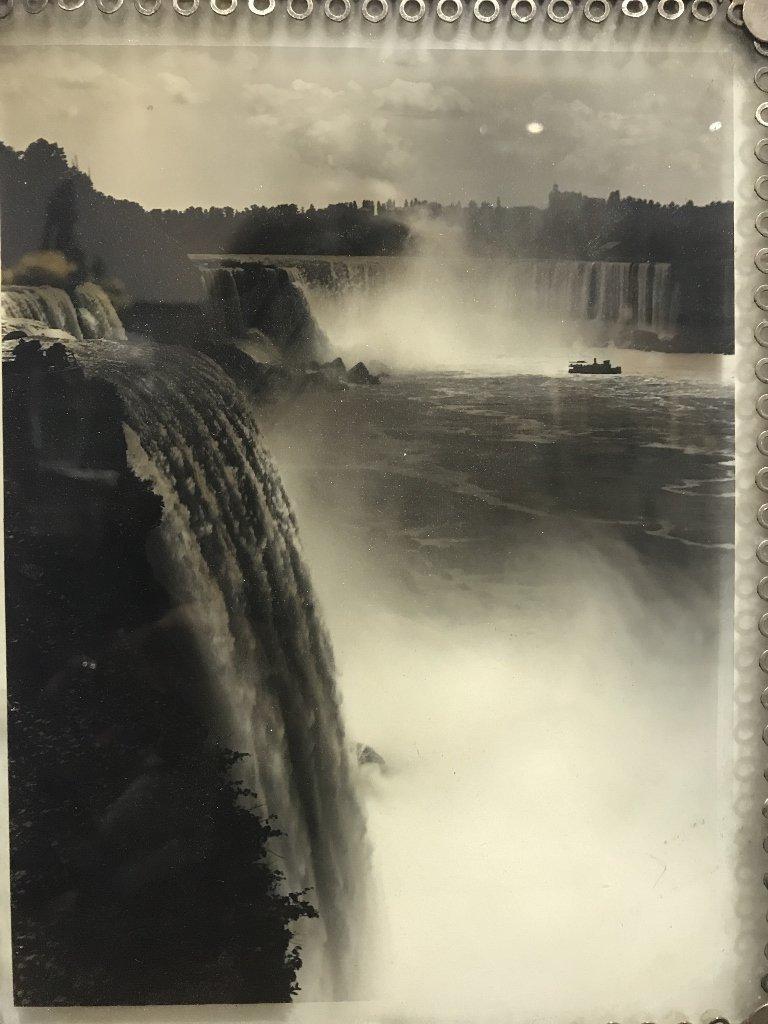 Glass photo of Niagara Falls, c.1900 - 2