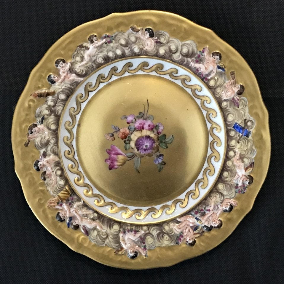 Four Capodimonte plates, c.1910 - 4