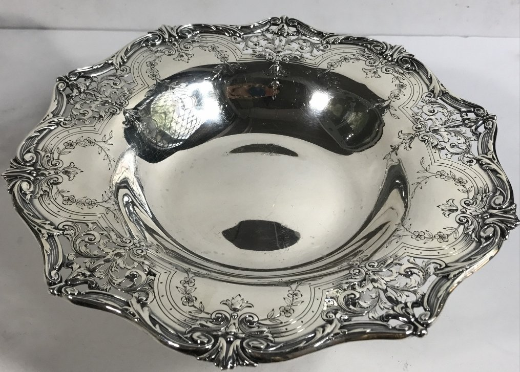Two American sterling candy dishes, 24.7 t. oz - 2