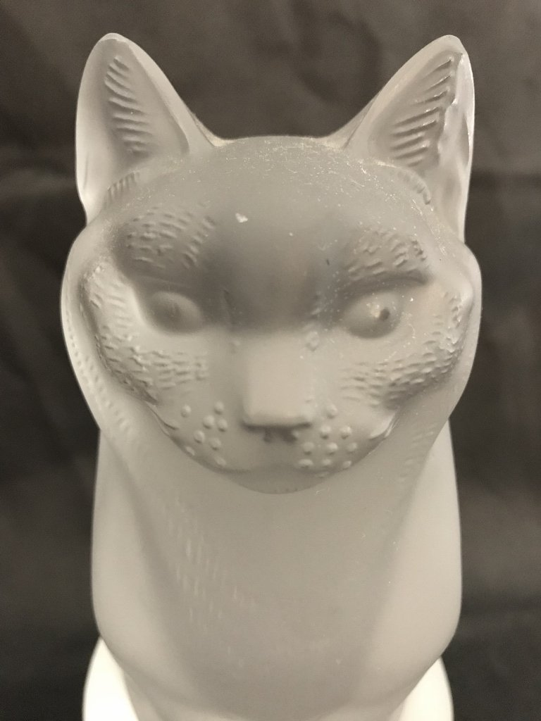 Lalique cat with chip - 2