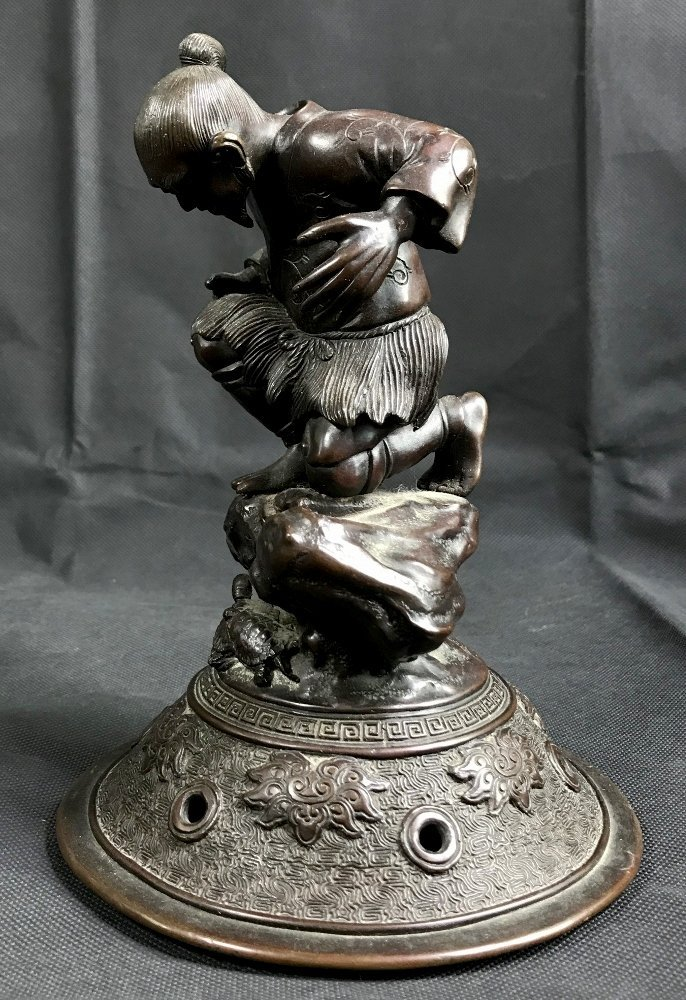 Japanese bronze lid, c.1880