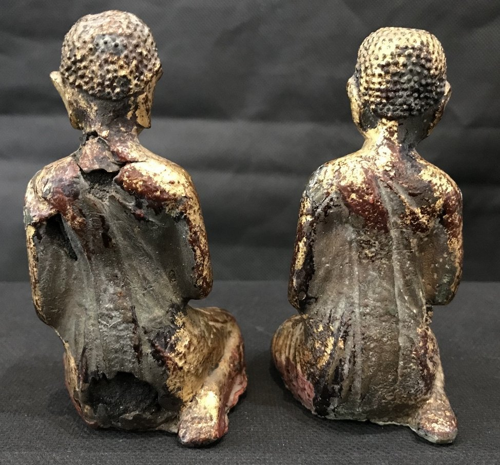 Two gilt metal praying monks, 18th/19th century - 3