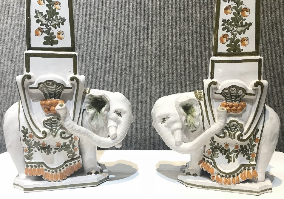 "Pair of ceramic elephant decorations marked:""Italy"". - 3"