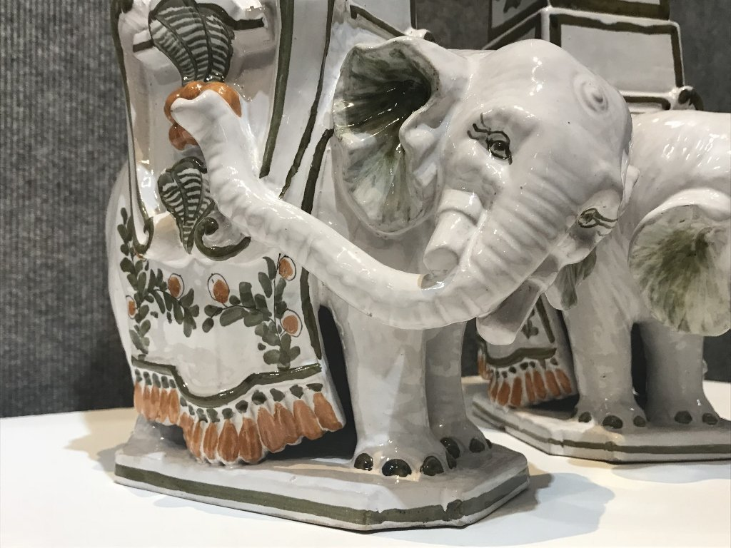 "Pair of ceramic elephant decorations marked:""Italy"". - 6"