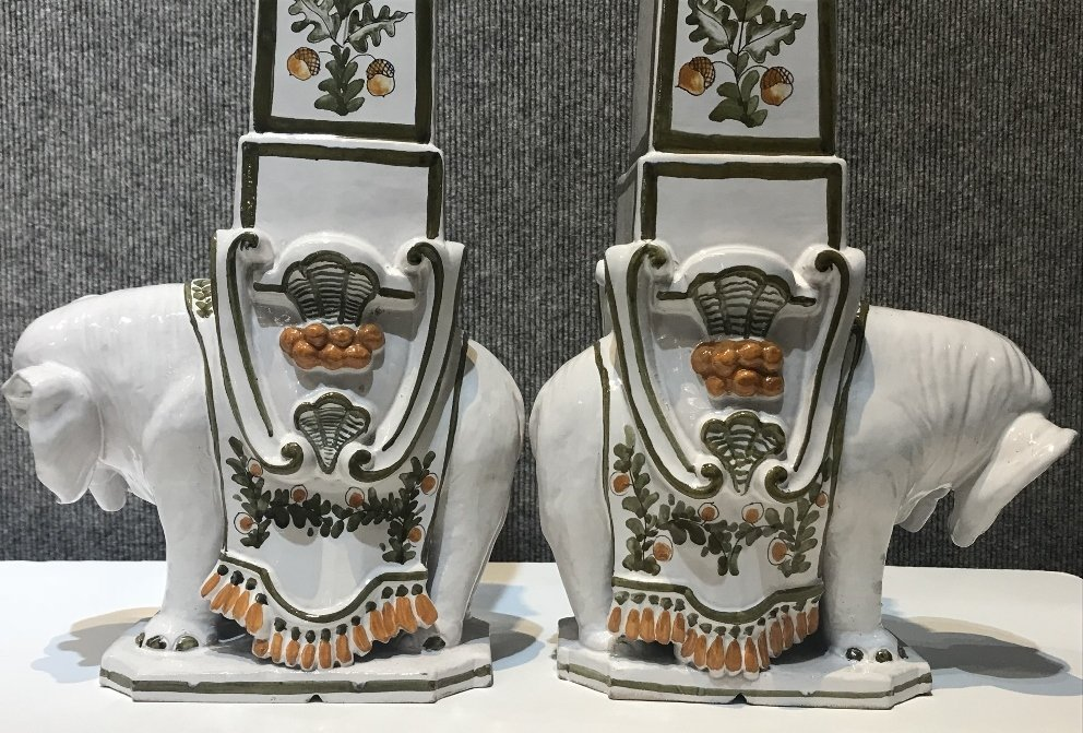 "Pair of ceramic elephant decorations marked:""Italy"". - 8"