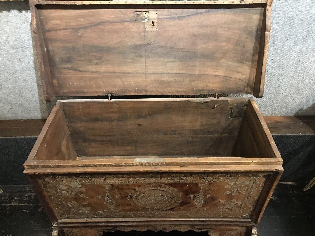 Inlaid wood chest, Third World - 7