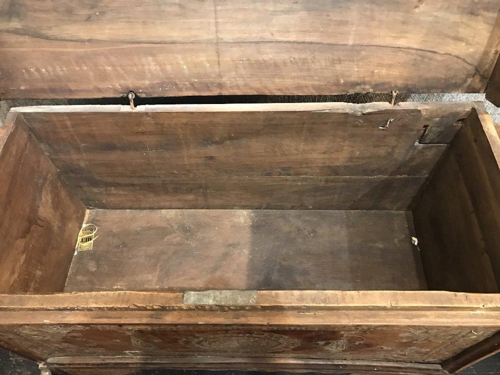 Inlaid wood chest, Third World - 8