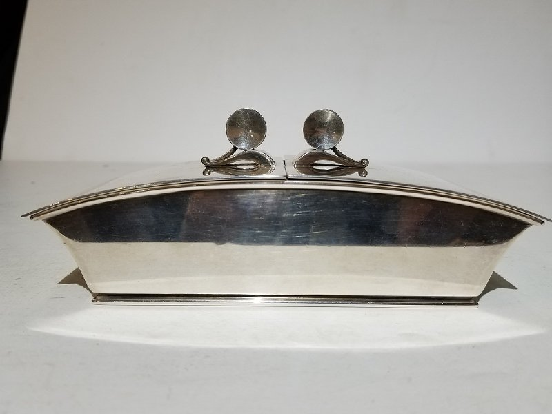 Georg Jensen silver box by Harald Nielsen, 17.54 t.oz