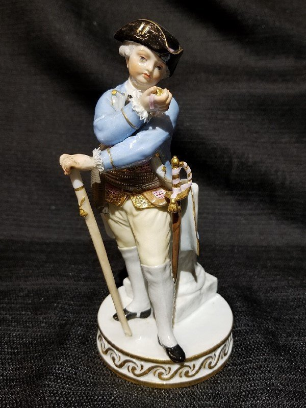 Meissen fig, 18th cen man looking at watch, c.1900