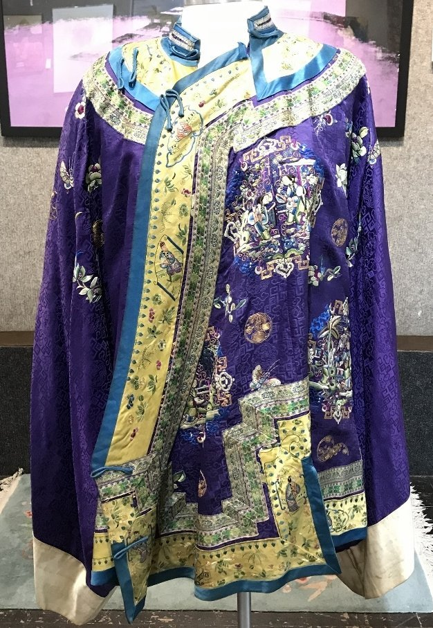 Chinese silk embroidered robe, c.1850