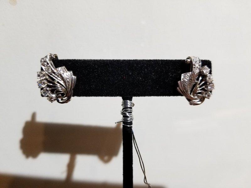 18k diamond clip earrings, 3.2 dwts