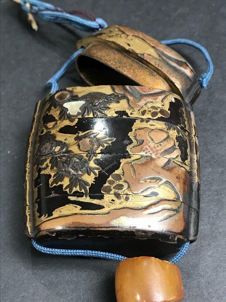 Lacquer and pearlinlaid inro purse, circa 1880 - 5