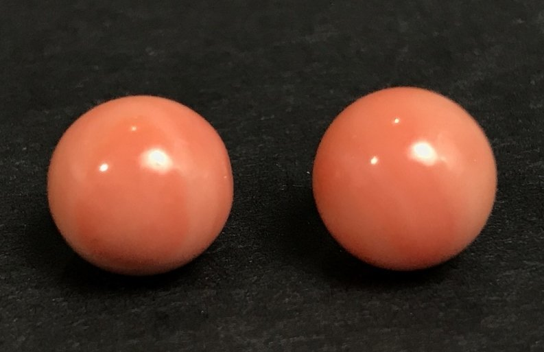14k gold and natural coral ball earrings, 3.6 dwts