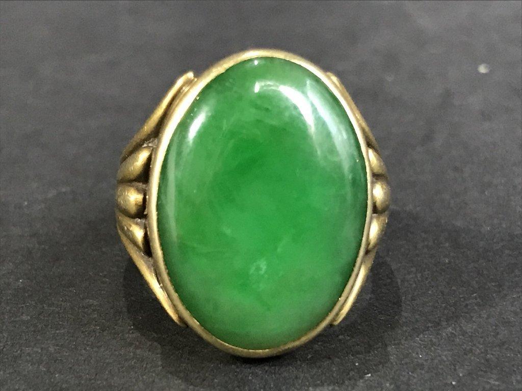 14k jade ring, 5.3 dwts, circa 1930.