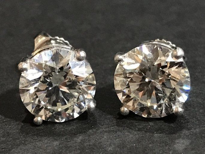 3.01 and 3.12 carat, stud earrings, platinum