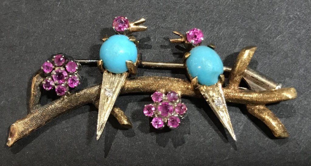 18k ruby, dia and turquoise bird pin, c.1950, 5 dwts