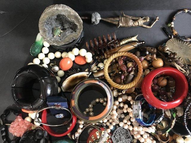 Costume jewelry in 2 trays - 2