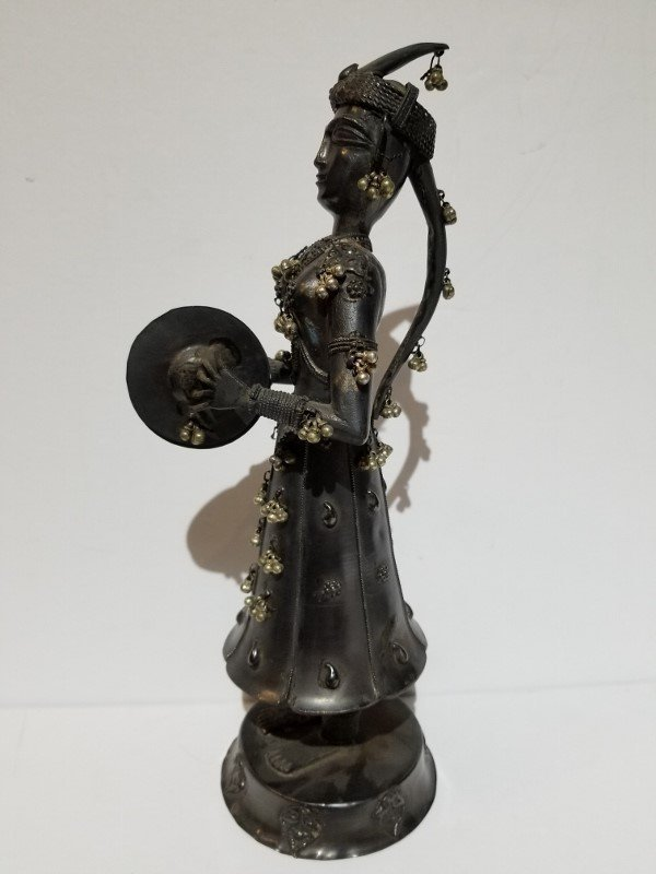 Indian silver figure of a musician, c.1900, 13.5 t.oz - 5
