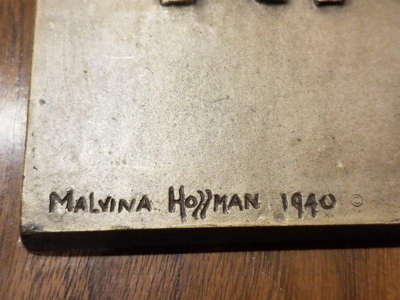 Red Cross bronze plaque by Malvina Hoffman - 3