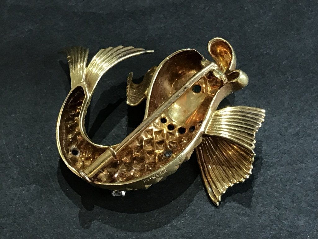 18k fish brooch w/diamonds, French marks, 7.7dwts - 5