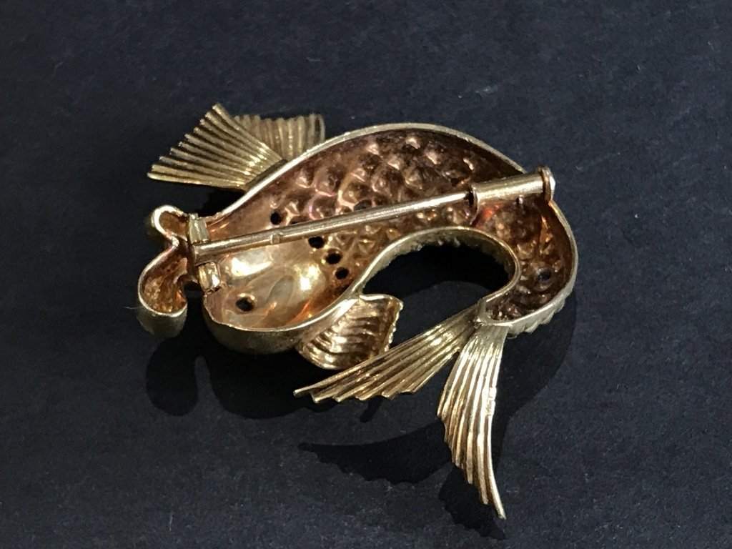 18k fish brooch w/diamonds, French marks, 7.7dwts - 6