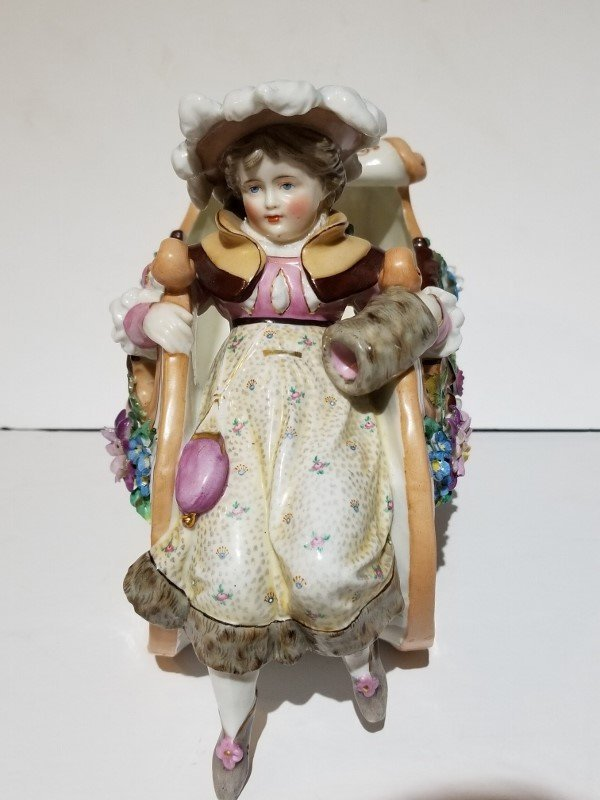 Porcelain figurine of sled, c.1880 - 3
