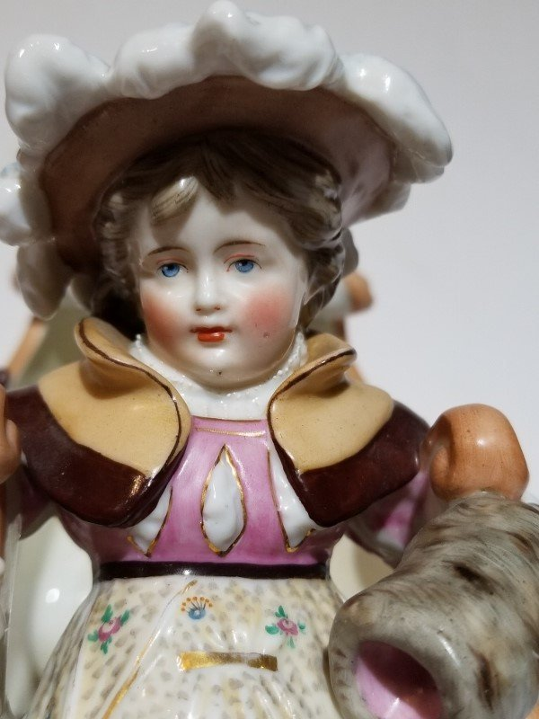 Porcelain figurine of sled, c.1880 - 4