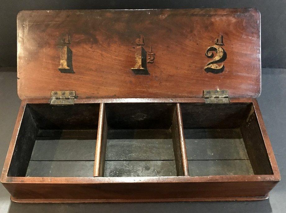 English wood money changing box, c.1900 - 4
