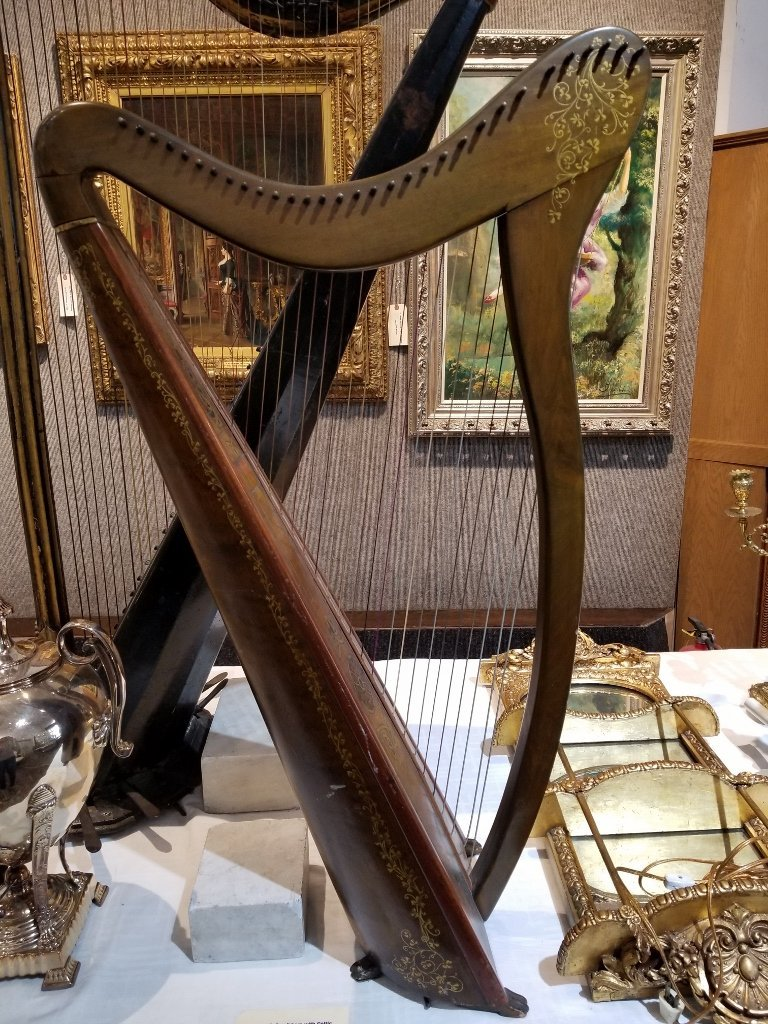 Small harp with Celtic decoration, c.1920