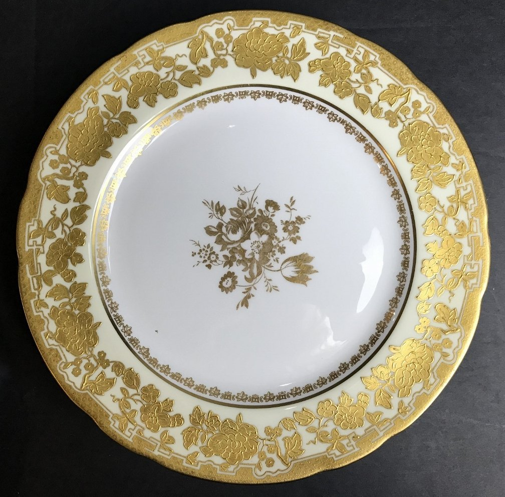 Set of 18 gilt dinner plates, Hammersley & Co