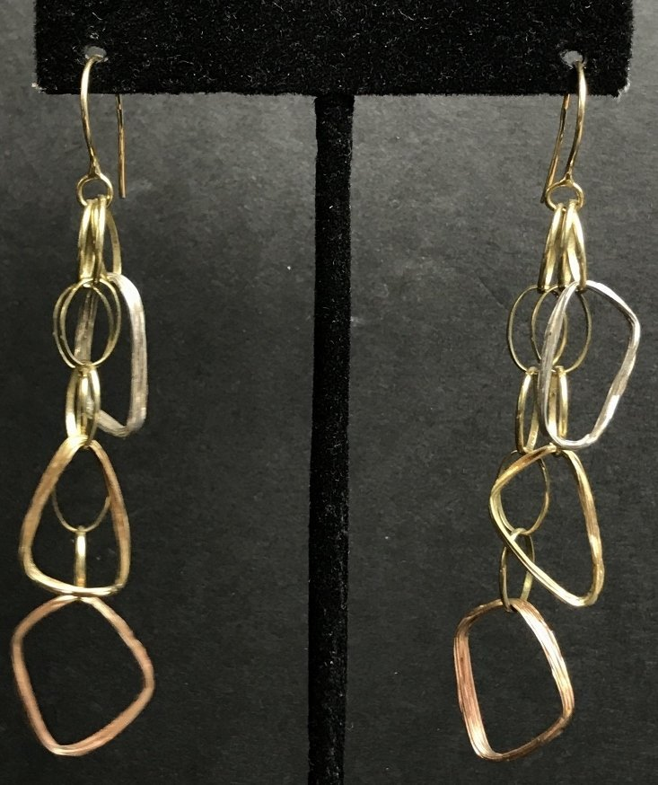 14k modern earrings by Eden, 4.5 dwts