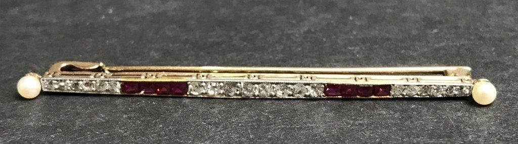 18k diamond and ruby brooch, 2.25 dwts