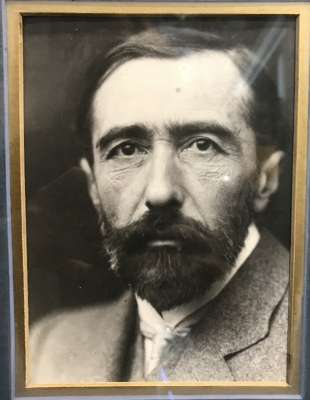 Letter signed by Joseph Conrad and dated 1918 - 3