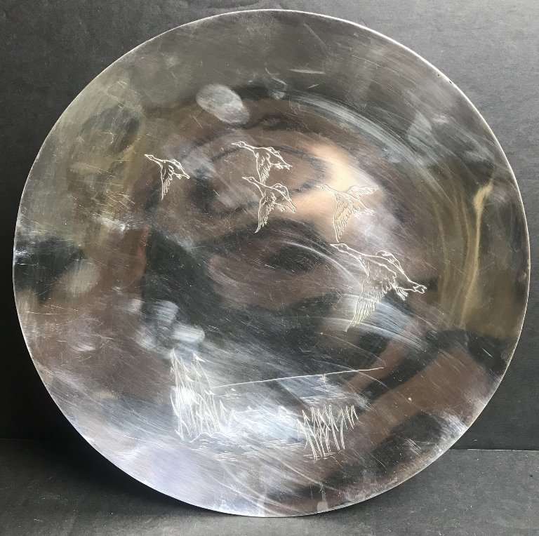 Mappin & Webb sterling dish with geese, 17.3 t. oz